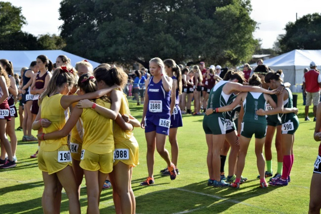 stanford-invite-girls-hug